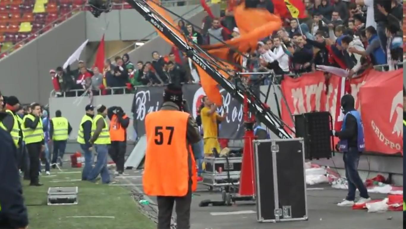 Dinamo - Vaslui - 10.11.2012 - Sfarsit de meci cu Niculae la peluza